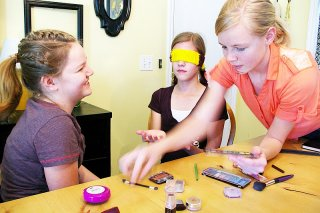Brassy Apple: Blindfolded Makeovers with your kids